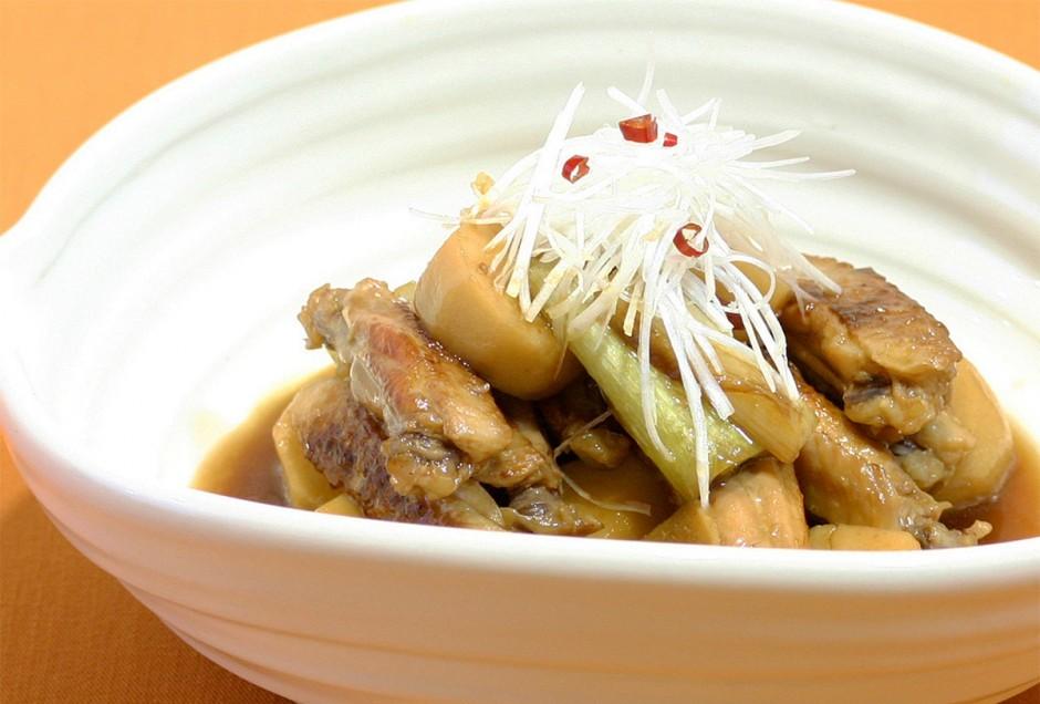 鶏手羽と里芋のうま煮