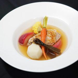 鶏モモ肉のソテー 林檎のスープ仕立て(薬膳レシピ)